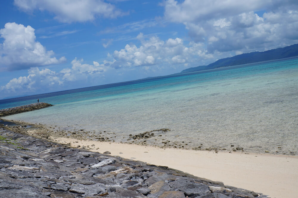 鳩間島の海